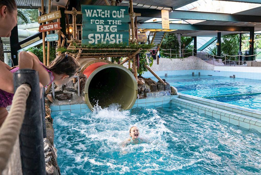 Bungalowparken Van Landal Mét Subtropisch Zwembad