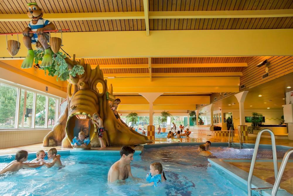Beekse Bergen Zwembad.Het Zwembad Van Landal Heideheuvel Foto S