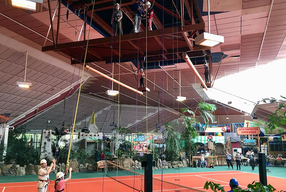 Indoor touwenparcours High Adventure Experience, Het Meerdal