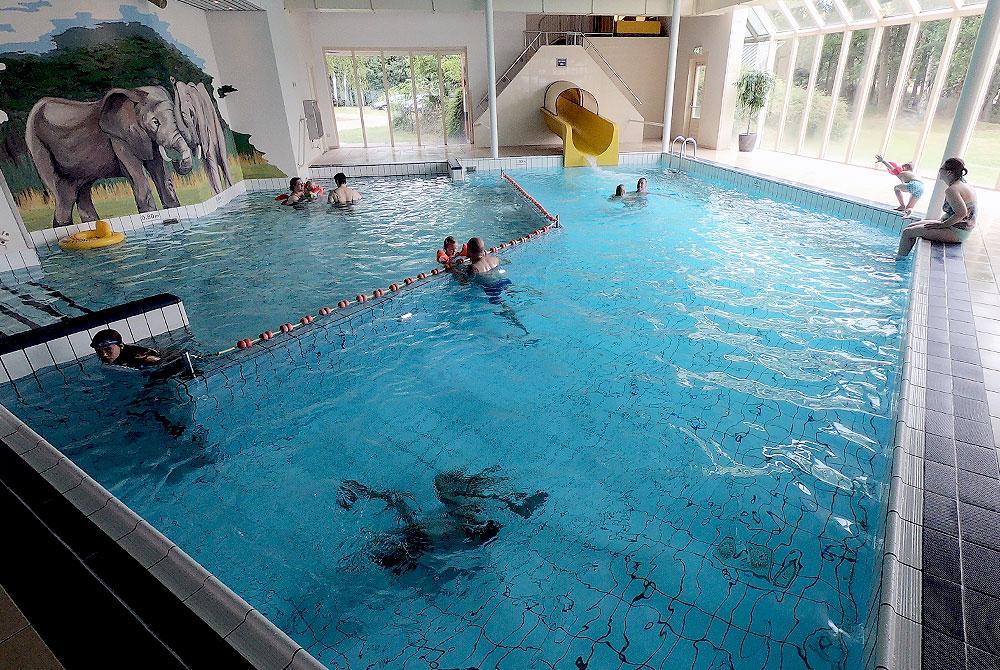 Beekse Bergen Zwembad.Parkreview Vakantiepark Beekse Bergen