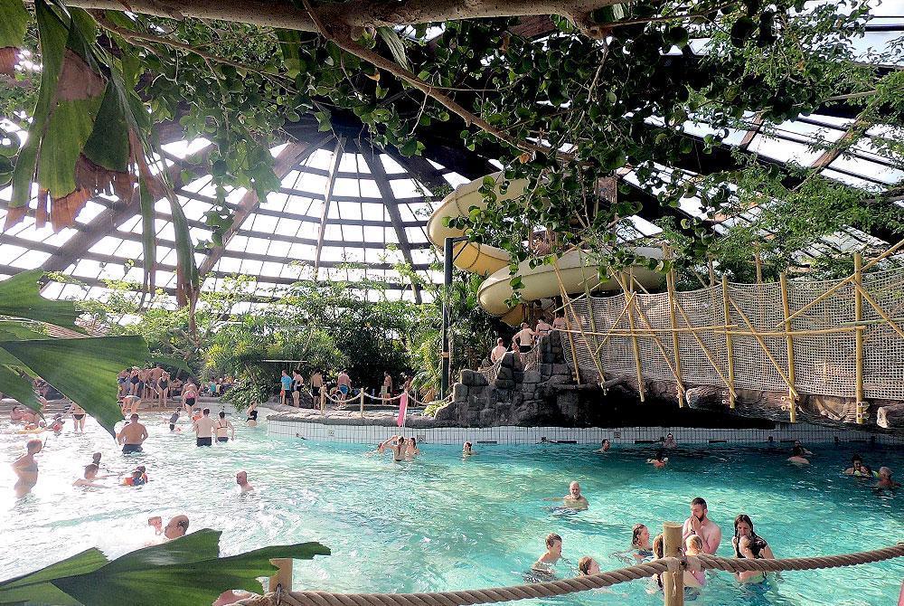 Center Parcs Zandvoort Zwembad.Center Parcs Gaat Huisjes Aqua Mundo En Faciliteiten Vernieuwen